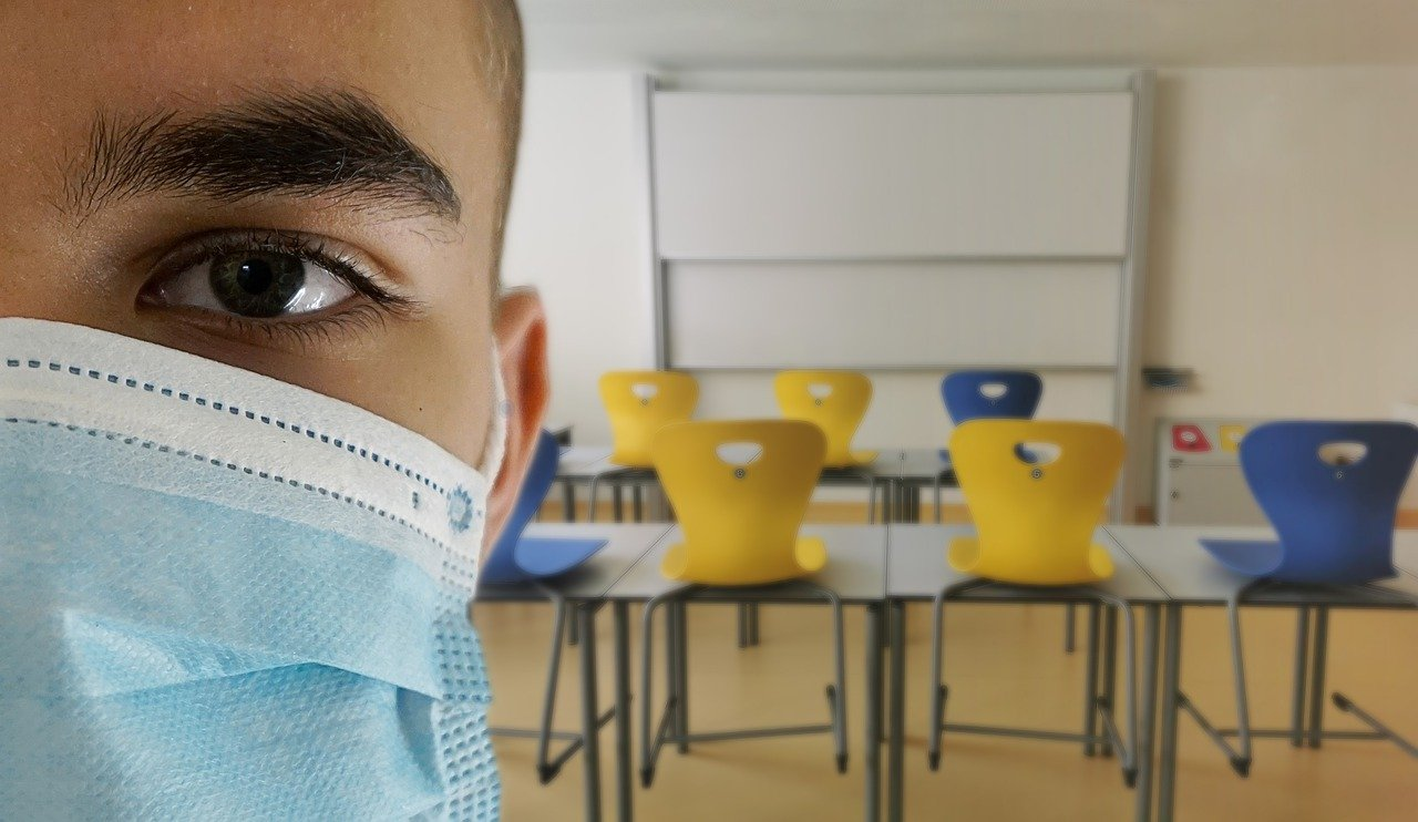 Masks in classrooms for secondary school children
